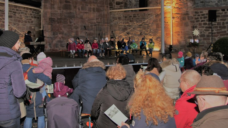 18-12 Advent in der Burg